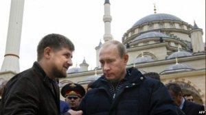 Путин назвал эффективной работу Кадырова  (По мнению президента России, глава Чечни квалифицированно руководит республикой)