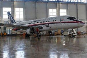 Египетским авиаперевозчикам разрешили использовать российский Superjet