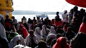 Офицеры ВМС Италии подозреваются в непредумышленном убийстве беженцев