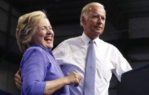 Байден не хочет занимать пост в администрации США в случае победы Клинтон