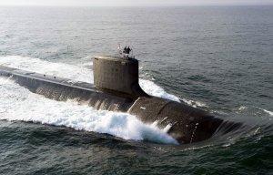"""БПК """"Североморск"""" и """"Вице-адмирал Кулаков"""" обнаружили слежку за авианосцем """"Адмирал Кузнецов"""" и вынудили покинуть район АПЛ """"Вирджиния"""" и ПЛ """"Валрус""""  - Конашенков"""