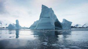 НАСА обнаружило стокилометровую трещину в Антарктиде