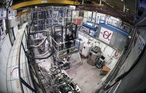 Ученые ЦЕРН впервые измерили оптический спектр атома антиматерии