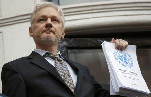 Ассанж согласится на экстрадицию в США в обмен на помилование Мэннинга