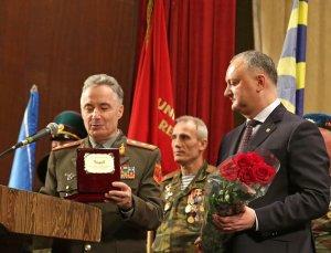 Президент Молдавии поздравил военных с 23 февраля, хотя эта дата не является в республике праздником
