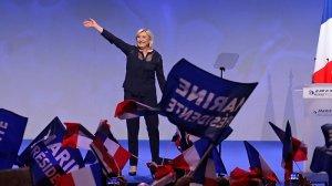 Ле Пен приедет в Россию завтра. Кандидат на пост президента Франции встретится со спикером Госдумы Володиным