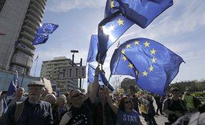 """[""""Всё хорошо, прекрасная маркиза""""] Европа просыпается"""