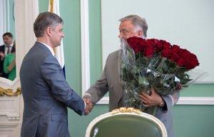 Президент РЖД в 2016 году зарабатывал по 696 тысяч рублей в день