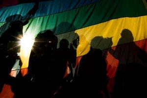 Из Чечни эвакуировали более 40 геев. Правозащитники ждут помощи от европейских государств с визами, чтобы вывезти геев за рубеж