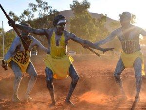 Лидеры австралийских аборигенов соберутся на скале Улуру на исторический саммит