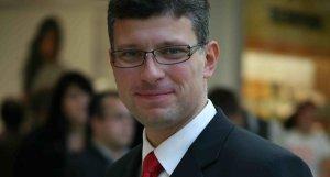 Высказавшийся против членства Эстонии в НАТО министр подал в отставку