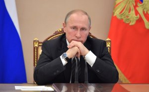 В.Путин: Нормы не нарушали, а жить невозможно.... Значит, послушайте меня, и чтобы Воробьёв меня услышал. В течение месяца закрыть эту свалку.