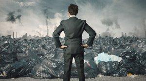 Россияне не доверят бизнесу даже мусор: Доверие россиян к государству растет, к бизнесу - падает