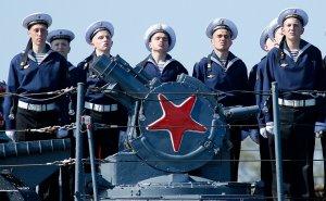 Путин поручил закрепить флот России на втором месте в мире