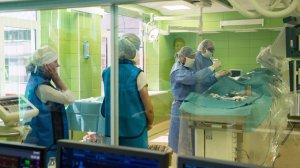 Московские нейрохирурги за полчаса разъединили новорожденных сиамских близнецов