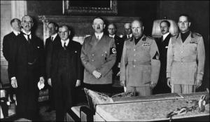 """[""""Век национализма""""] Мюнхенская трагедия. Размышления о том, чему учит судьба Чехословакии"""