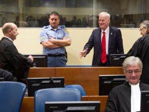 Сербского генерала Младича приговорили к пожизненному сроку за геноцид в Сребренице