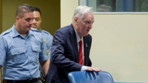 """""""Тотально политический процесс"""": почему Гаагский трибунал приговорил Ратко Младича к пожизненному заключению"""