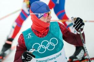 Россиянин Денис Спицов завоевал бронзу в лыжной гонке на 15 км свободным стилем на ОИ-2018