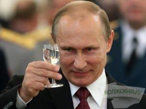 """[За явным преимуществом] Welt: """"манипуляции"""" на выборах для Путина """"абсурдны"""" - он и так популярен. Кремль поставил и достиг две очень высокие цели: 70% явка на выборы и 70% голосов за Путина"""