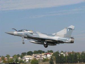 Крушение в Эгейском море: пилот истребителя ВВС Греции погиб во время перехвата турецких самолетов
