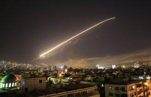 СМИ: ПВО Сирии перехватили все ракеты, выпущенные по Хомсу