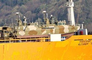 Россия перебрасывает в Тартус бронетехнику
