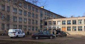 Ученик башкирской школы ранил двух человек, устроил поджог и попытался покончить с собой