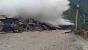 Масштабный прорыв воды после аварии на ГЭС в Колумбии сняли на видео
