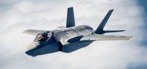 """[""""Будь проклят тот день, когда я сел за баранку этого пылесоса""""] Американские пилоты проклинают тот день, когда сели за штурвал F-35: средний срок службы большинства его деталей не превышает двух лет"""