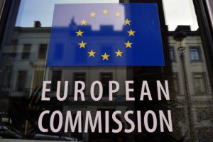 Еврокомиссия ввела пошлины в 25% на товары из США объемом 2,8 млрд евро
