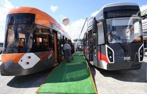 """""""Уралвагонзавод"""" представил новый трамвай на выставке ИННОПРОМ (На основе модели 71-415 планируется разработать линейку низкопольных вагонов любой вместимости и длины)"""