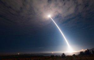 Испытание американской межконтинентальной баллистической ракеты завершилось неудачей