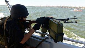 Киев хочет попросить НАТО конвоировать украинские суда в Азовском море