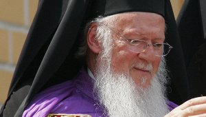 Греческий митрополит обвинил Константинопольского патриарха Варфоломея в расколе православия и призвал его покаяться и прекратить провоцировать схизму
