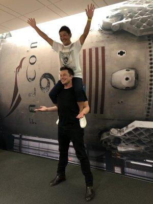 В SpaceX назвали имя первого в мире пассажира рейса вокруг Луны