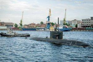 "Новую подводную лодку ""Кронштадт"" спустили на воду в Петербурге"
