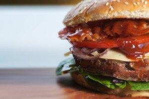 В УФАС могут завести дело из-за скандальной рекламы Burger King