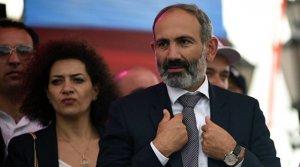В Ереване протесты, парламент заблокирован, Пашинян готов уйти в отставку.