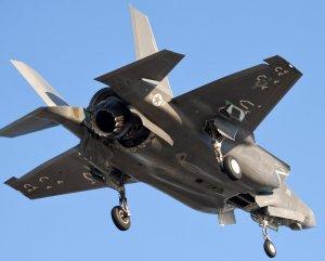 Трата времени. Американские военные эксперты назвали первое боевое применение истребителя пятого поколения F-35 бессмысленным