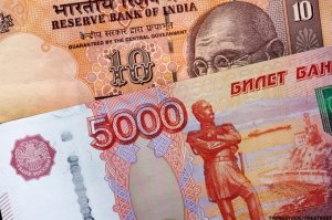 "Расчет за поставки С-400 с Индией будет произведен в рублях или рупиях (В ""Рособоронэкспорте"" пояснили, что Дели и Москва отказались от транзакций в долларах)"