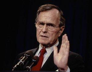 CNN: В России вспоминают Буша-старшего с ностальгией - он уважал интересы Москвы