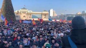 Протесты в столице Монголии: на главную площадь вышли 25 тыс. человек