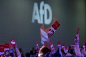 """Немецкая ультраправая партия """"Альтернатива для Германии"""" (АдГ) намерена требовать выхода страны из Евросоюза, если предложенные ими реформы ЕС не начнут реализовываться к 2024 году"""