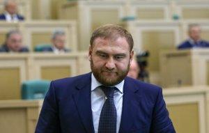 Сенатор от Карачаево-Черкесии Рауф Арашуков задержан в зале заседаний Совета Федерации