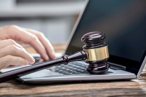 Суды начали принимать данные из соцсетей в качестве доказательства в обычных судебных спорах