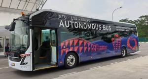 Volvo показала первый в мире беспилотный электрический автобус на 80 мест (...время полной зарядки его электроустановки занимает шесть минут.)