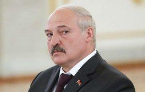 Лукашенко заявил, что Россия сама бросает Белоруссию в объятия Запада