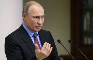 """Путин: """"А чем русские, проживающие на Украине, хуже румын, поляков или венгров?"""" Польша уже десять лет выдает """"карту поляка"""". Выдают паспорта Венгрия, Румыния, соответственно, венграм и румынам"""