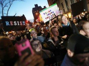"""Breitbart: в Канаде мужчину признали виновным в """"домашнем насилии"""" за отказ разглядеть в дочери трансгендера"""